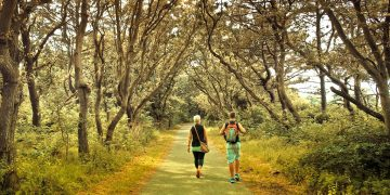 5 Money-Saving Tips To Follow When Traveling Outdoors
