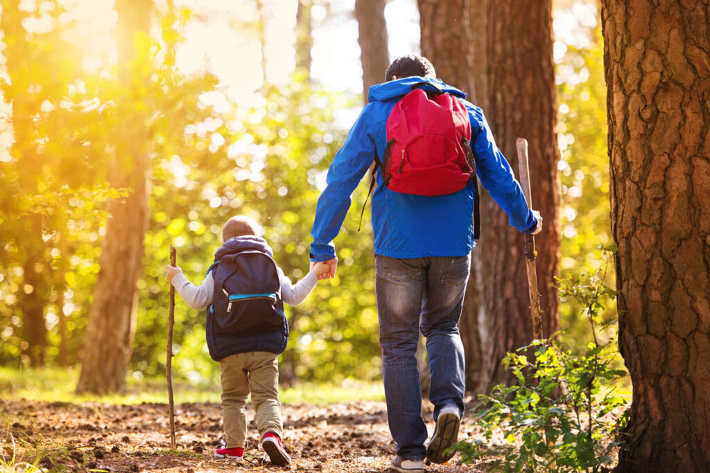 Essential Tips For Hiking With Kids For the First Time